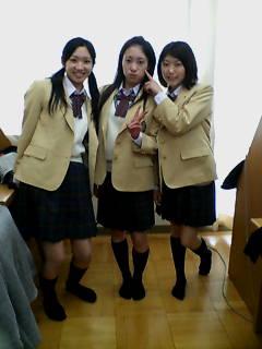 制服(^◇^<br />  )